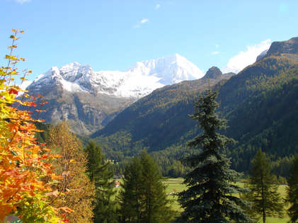 Riva di Tures valley in autumn colcours